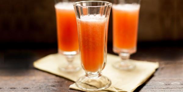 Cocktail prosecco et fraise